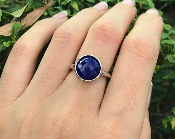 Round Blue Sapphire Raw Ring- Simple Blue Promise Ring- September Birthstone Ring- Blue Anniversary Ring- Solitaire Classic Minimalist Ring