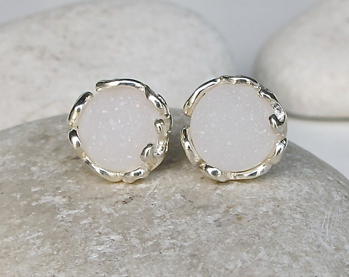 White Druzy Round Stud Earring- Sparkly Druzy Filigree Stud- Unique Bridal Gemstone Earring-Boho Wedding Earring- April Birthstone Earring