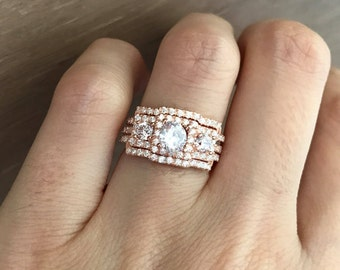 Rose Gold Engagement Victorian Ring Set- Three Stone Bridal Ring Set- Halo Princess Cut Rings- Round Engagement Ring with 2 Matching Bands
