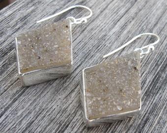 Druzy Earring- Druzy Silver Earring- Gray Druzy Earring- Gray Stone Earring- Gemstone Earring- Dangle Earring- Stone Earring-Crystal Earring