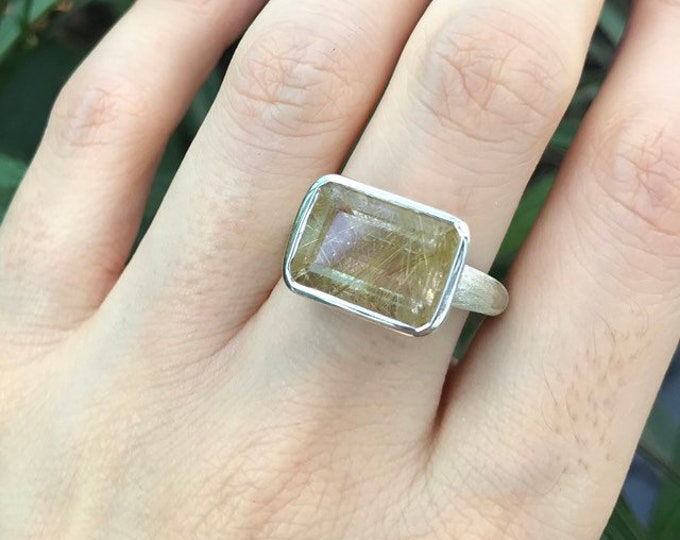 Rectangle Quartz Statement Unisex Ring- Rutile Quartz East West Solitaire Mens Ring- Minimalist Hair of Venus Ring- Rutilated Quartz Ring