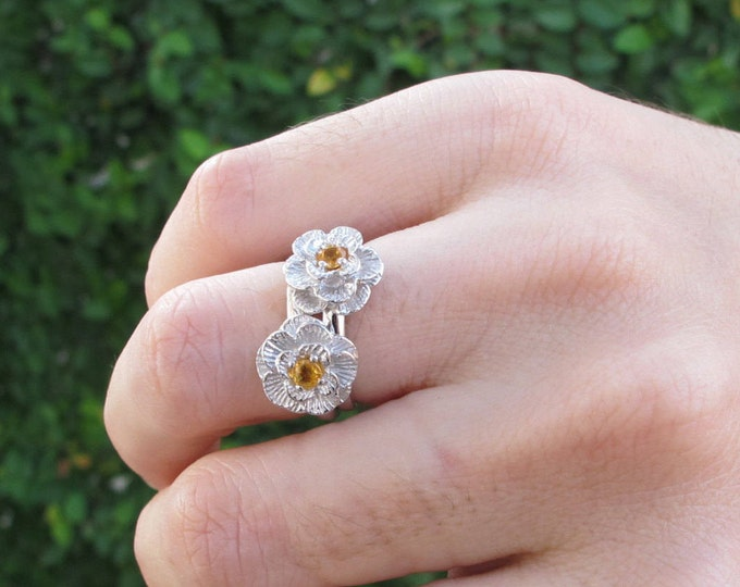 Yellow Sapphire Promise Ring- Flower Engagement Ring- Floral Stackable Ring- Sapphire Anniversary Ring- Yellow Gemstone Dainty Ring