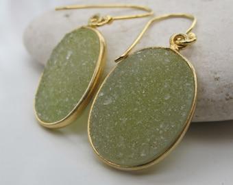 Green Druzy Raw Earring- Oval Druzy Dangle Earring- Green Stone Drop Earring- Simple Bezel Rough Stone Earring- Green Topaz Earring
