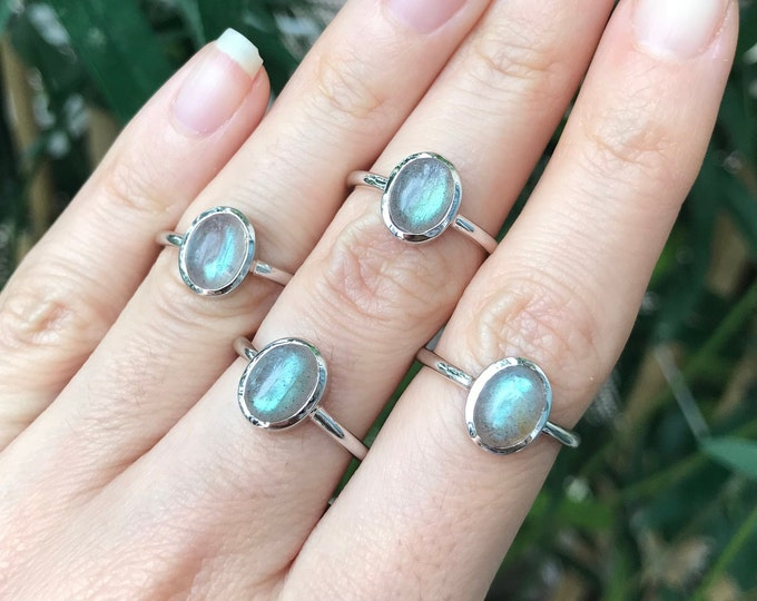 Oval Small Labradorite Silver Ring- Stackable Labradorite Bohemian Ring- Boho Minimal Gemstone Jewelry- Gypsy Hippie Rainbow Ring