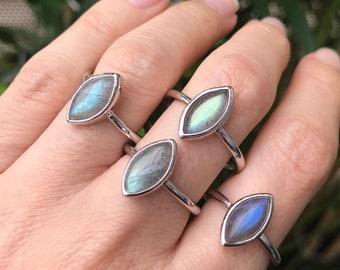 Silver Labradorite Boho Ring- Rainbow Stack Hippie Ring-  Bohemian Iridescent Ring- Color Change Mood Ring- Gemstone Minimal Ring