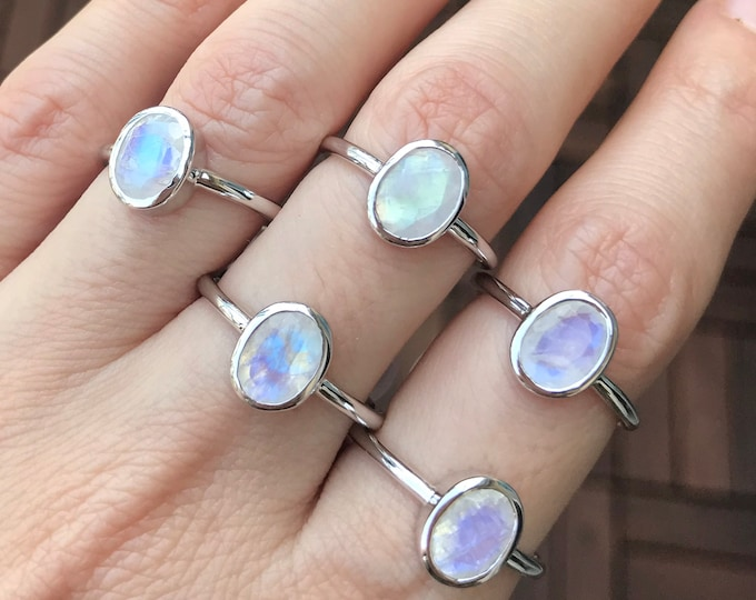 Moonstone Oval Stack Ring- Facet Rainbow Blue Moonstone Ring- Simple Minimal Small Ring- Iridescent Boho Bohemian Ring- June Birthstone Ring