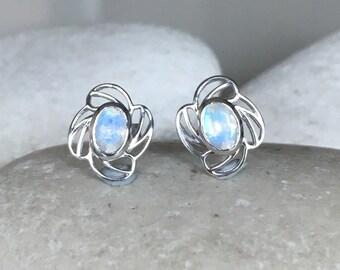 Bohemian Moonstone Earring- Boho Moonstone Earring- Flower Moonstone Earring- June Birthstone Earring- Floral Everyday Earring