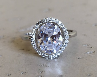 Cubic Zirconia Engagement Ring- Promise Ring for Her- Alternative Diamond Ring- Oval Solitaire Ring- Clear Gemstone Engagement Ring