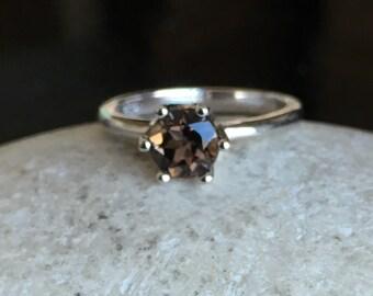 Smoky Quartz Round Stack Ring- Smoky Topaz Prong Ring- Simple Brown Gemstone Ring- Brown Stone Ring- Smoky Topaz Ring- Stackable Brown Ring