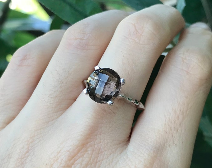 Smoky Quartz Stackable Ring- Brown Gemstone Cocktail Ring- Sterling Silver Brown Topaz Ring- Minimalist Brown Quartz Ring-Oval or Round Ring