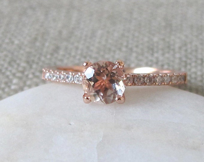 Morganite Engagement Ring- Classic Morganite Promise Ring- Rose Gold Promise Ring- Rose Gold Morganite Ring- Round 4 Prong Ring