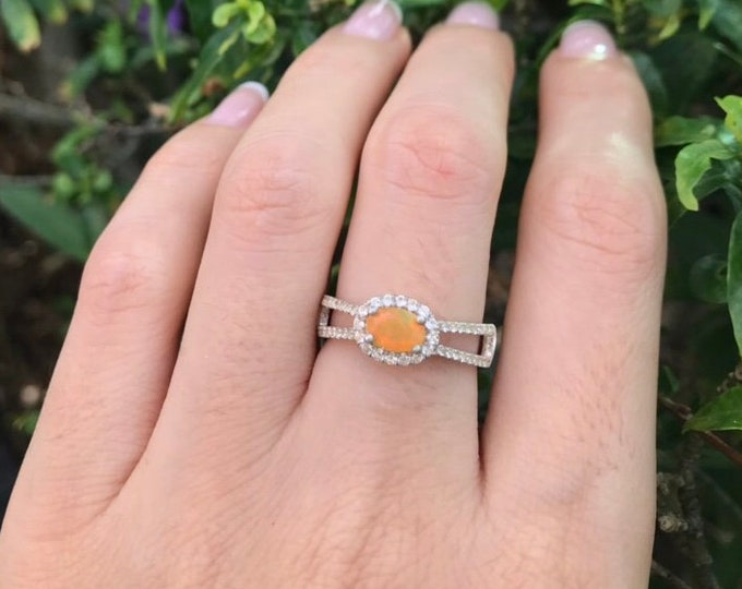 Yellow Opal Spilt Band Ring- Genuine Welo Oval Opal Dainty Ring- Ethiopian Opal Double Band Ring- October Birthstone Ring- Silver Opal Ring