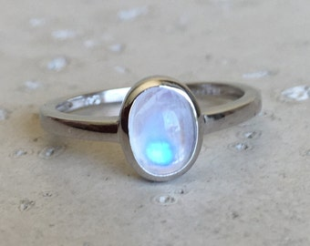 Oval Moonstone Stack Ring- Tiny Rainbow Moonstone Ring- Gypsy Boho Silver Ring- June Birthstone Ring- Smooth Simple Moonstone Ring