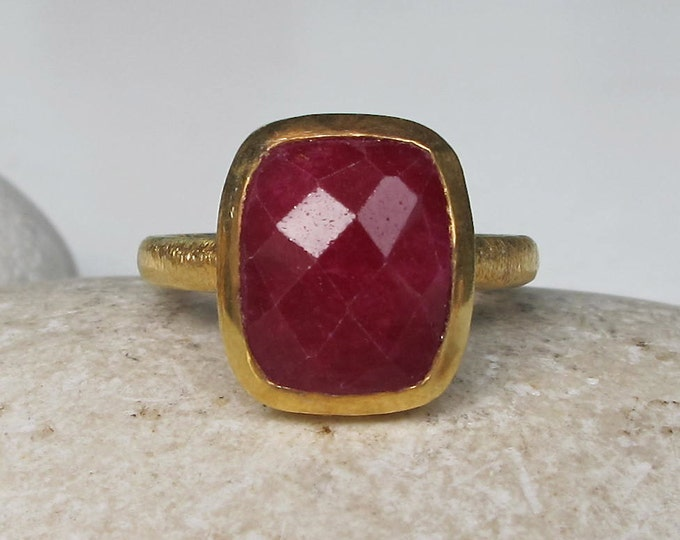 Ruby Rectangle Gold Ring- Large Ruby Statement Ring- July Birthstone Ring- Raw Ruby Red Gemstone Solitaire Simple Ring