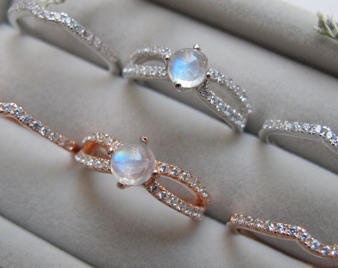 Round Moonstone Bridal 3 Ring Set- Cabochon Moonstone Women Engagement Ring Set- Split Shank Moonstone Prong Rings- Rose Gold Silver Ring