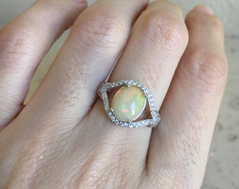 Statement Opal Ring- Oval Opal Promise Ring- Opal Engagement Ring- Halo Opal Solitaire Ring- October Birthstone Ring-Unique Anniversary Ring