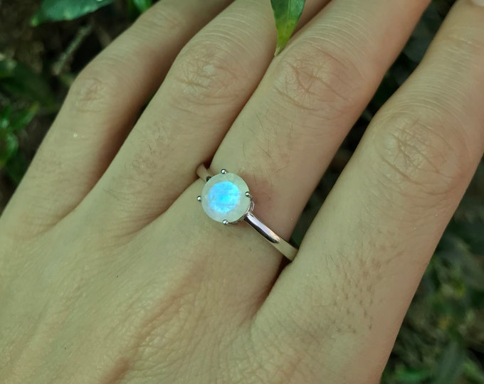 Round Facet Moonstone Prong Ring- 7mm Rainbow Blue Moonstone Silver Ring