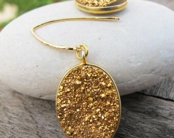 Oval Druzy Dangle Earring- Boho Gold Drop Earring- Bohemian Hoop Drop Earring- Rustic Raw Earring- Sparkly Minimalist Earring