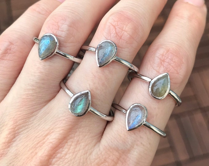 Labradorite Cab Teardrop Stack Ring- Labradorite Small Silver Ring- Boho Iridescent Gemstone Ring- Pear Bezel Minimalist Labradorite Ring