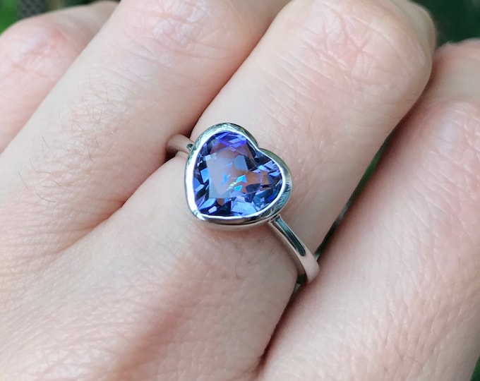 Mystic Topaz Heart Ring- Heart Shape Promise Ring- Valentine's Day Gift for Her Wife Girlfriend- Heart Gemstone Ring in Silver Rose or Gold