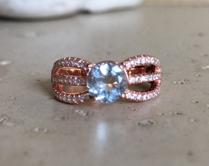 Rose Gold Aquamarine Ring- Aqua Statement Triple Band Ring- March Birthstone Ring- Blue Gemstone Ring- Rose Gold Solitaire Ring