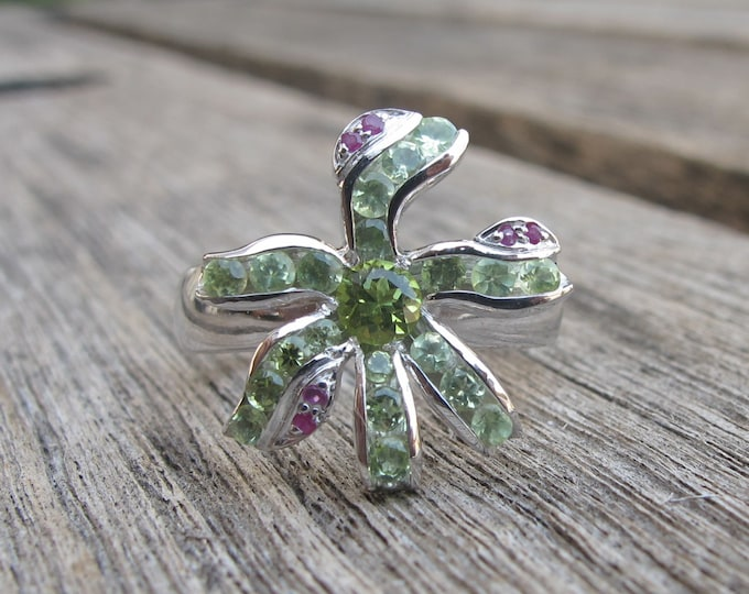 Floral Peridot Engagement Ring- Peridot Flower Rings- August Birthstone Rings