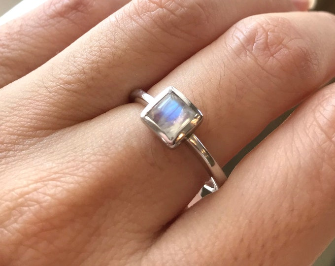 Small Square Moonstone Ring- Princess Cut Moonstone Ring- Stackable Moonstone Silver Ring- Boho Gypsy Ring- Classic Simple Moonstone Ring