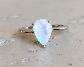 Small Rainbow Moonstone Ring- Boho Moonstone Ring- Stackable Sterling Silver Ring- June Birthstone Ring- Promise Ring for her