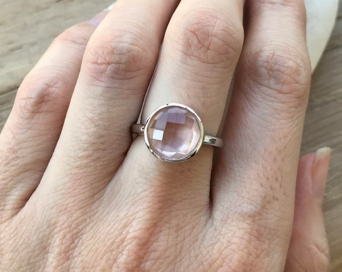 Round Rose Quartz Ring- Pink Quartz Stack Ring- Classic Lilac Gemstone Ring- Faceted Pink Stone Ring- Simple Pink Topaz Ring- Solitaire Ring