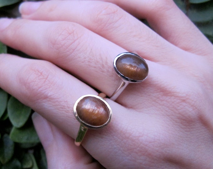Oval Cabochon Sunstone Ring- Sunstone Stackable Silver Bezel Ring- Orange Gold Gemstone Ring