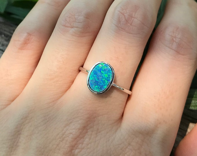 Australian Opal Doublet Sterling Silver Ring- Fire Opal Oval Minimalist Ring- Unique Opal Bezel Bohemian Ring- Iridescent Rainbow Opal Ring