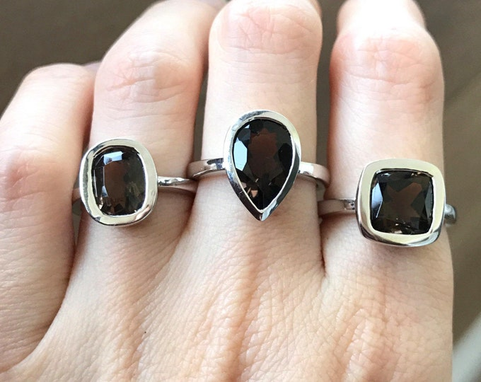 Smoky Quartz Statement Ring- Smoky Topaz Solitaire Ring- Brown Gemstone Bohemian Ring- Minimalist Modern Ring- Simple Boho Gemstone Ring