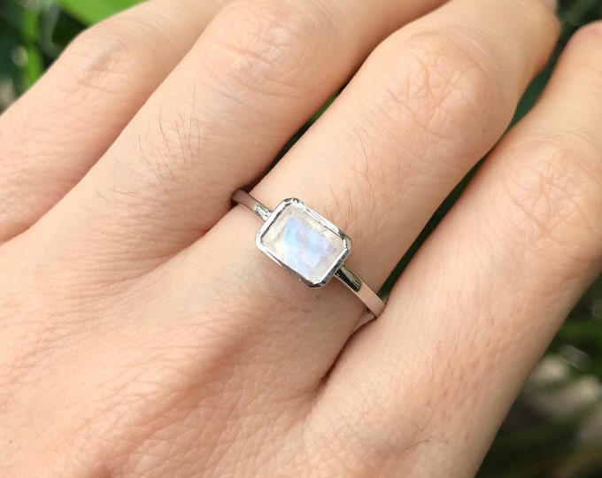 Simple Rainbow Moonstone Petite Rectangle Stackable Ring in Sterling Silver- Boho Iridescent Moonstone Bezel Ring- June Birthstone RIng