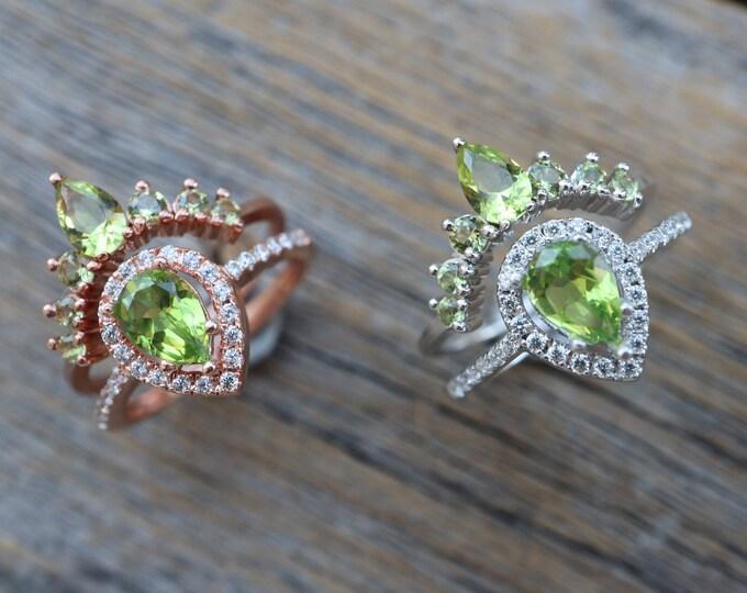 Teardrop Peridot Bridal Ring Set- Pear Green Stone Wedding 2 Ring Set- Green Halo Bridal Ring w/ Wedding Band- August Birthstone Ring