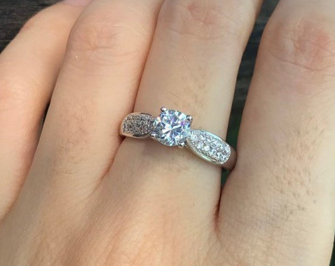 Simulant Round Diamond 0.40ct Engagement Ring- 4 Prong Promise Ring for Her- Non Diamond Alternative Engagement Ring- Clear Colorless Ring