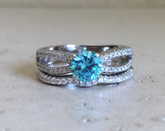 Blue Crystal Bridal Set Ring- Round Blue Engagement Ring Set- Promise Ring for Her- Anniversary 2 Ring Set- Blue Topaz Ring