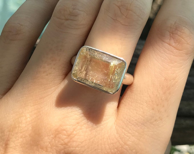 Rectangle Rutilated Gold Quartz Solitaire Unisex Ring- Statement Rutile Quartz Minimalist Ring- Gold Rutile Quartz Ring- East West Ring