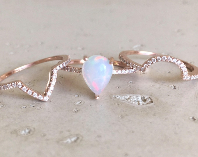 Genuine Pear Opal Halo Engagement 3 Ring Set- 1ct Opal Bridal Ring Set- Teardrop Opal Diamond Ring- Welo Opal Rose Yellow White Gold