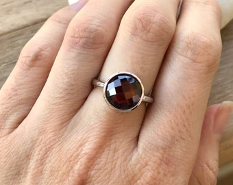 Round Garnet Solitaire Ring- January Birthstone Ring- Red Gemstone Ring- Simple Red Ring- Jewelry Gifts for Her- Sterling Silver Red Ring