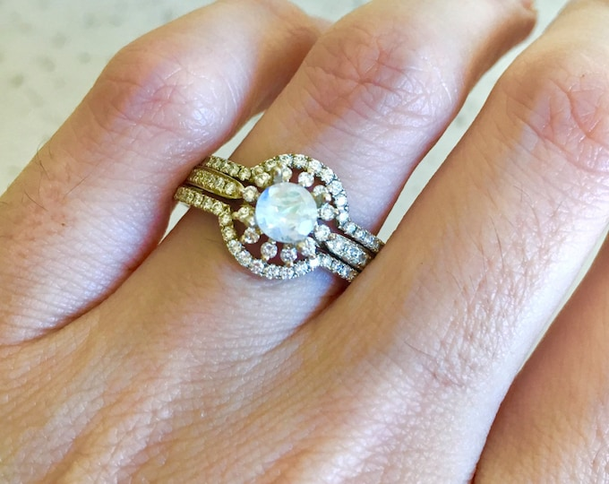 Rose Gold Moonstone Engagement Ring Set- Moonstone 3 Piece Bridal Ring Set- Floral Rainbow Moonstone Diamond Ring- Halo Moonstone Ring