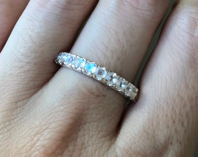 Moonstone Women Wedding Band- Eternity Round Moonstone Band for Her- Promise Moonstone Ring -June Birthstone Stackable Ring
