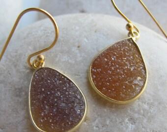 Teardrop Brown Druzy Earring- Simple Druzy Gold Drop Earring- Brown Rough Stone Boho Earring- Raw Crystal Druzy Dangle Bohemian Earring