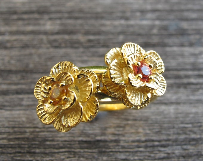 Flower Sapphire Promise Ring- Stackable Sapphire Floral Ring- Unique September Birthstone Ring- Orange Yellow Sapphire Anniversary Ring