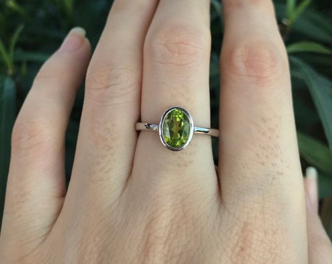 Peridot Genuine Oval Silver Ring- Green Peridot Stackable Simple Ring- Minimalist Bezel Peridot Ring- August Birthstone Ring for Her