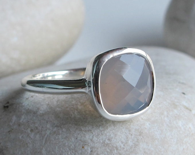 Gray Chalcedony Gemstone Ring- Square Gray Stone Silver Ring- Jewelry Gifts for Her- Faceted Cushion Cut Ring- Gray Onyx Ring