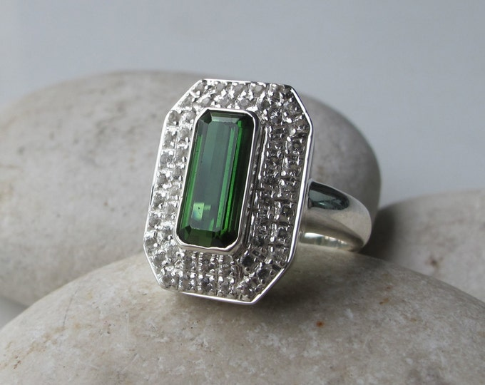 Green Tourmaline Statement Ring- Green Gemstone Solitaire Ring- October Birthstone Ring- Unique Green Stone Ring- Minimalist Halo Ring