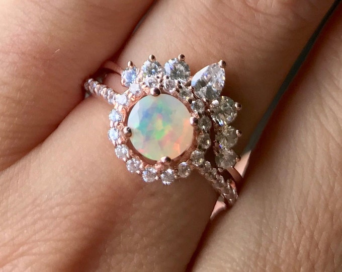 Opal Engagement Vintage Ring Set- Halo Opal Promise Ring for Her- Round Genuine Opal Deco Bridal Ring Set- Welo Opal Anniversary Ring-