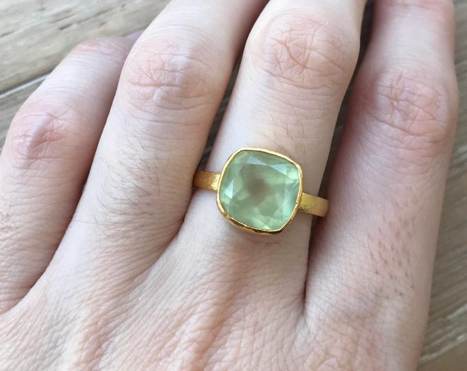 Seaform Green Stackable Gold Square Ring- Soft Green Onyx Cushion Bezel Ring- Light Green Chalcedony Ring- Sterling Silve Green Stone Ring