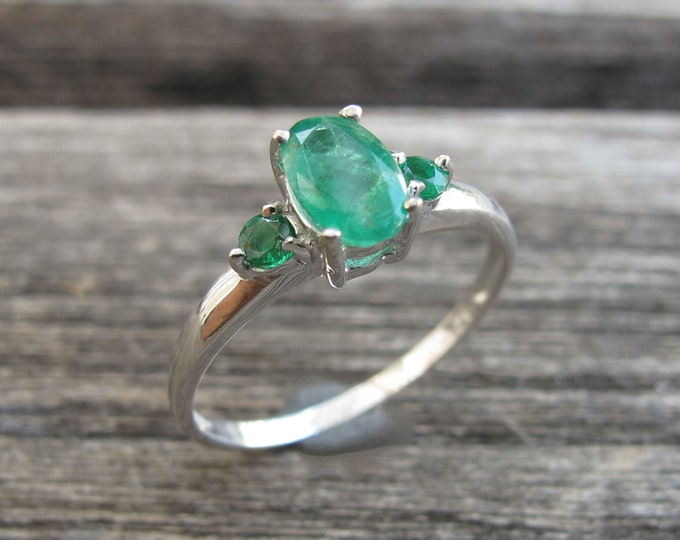 Oval Emerald Engagement Ring- Emerald Promise Ring- Genuine Emerald Solitaire Ring- May Birthstone Ring- Green Gemstone Ring