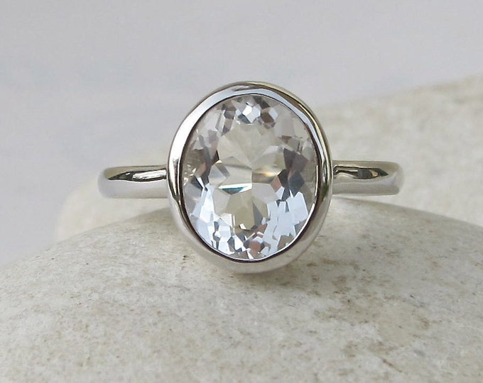 Genuine White Topaz Promise Ring- Colorless Topaz Oval Engagement Ring- Minimalist Bezel Silver Clear Solitaire Ring- Simple Engagement Ring